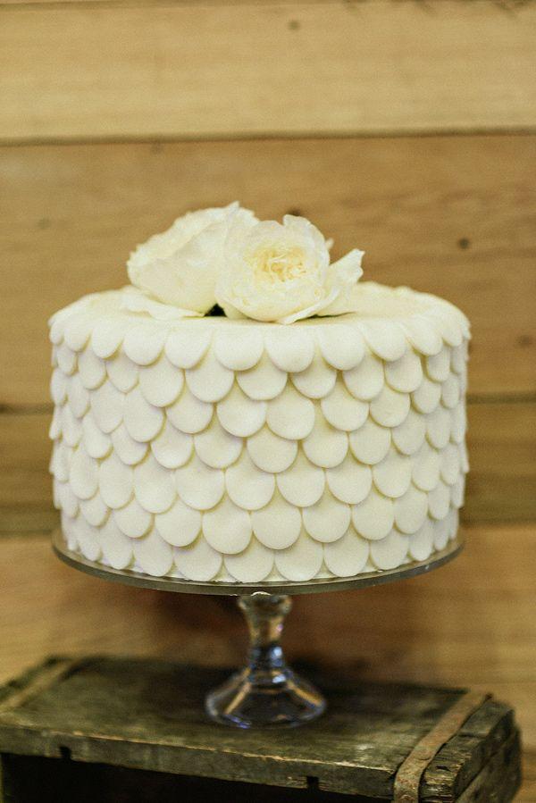 scalloped wedding cake, photo by Blush Photography http://ruffledblog.com/sundance-resort-wedding #weddingcake #cakes