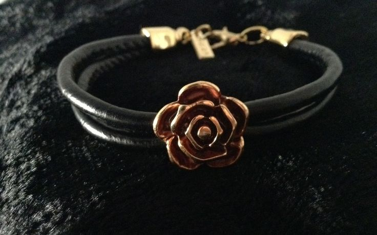 Ozzi Jewellery:Leather hand made bracelet  with Smalto and Golden plated details.  Price: 12e #OZZIjewellery #fashion #bracelet