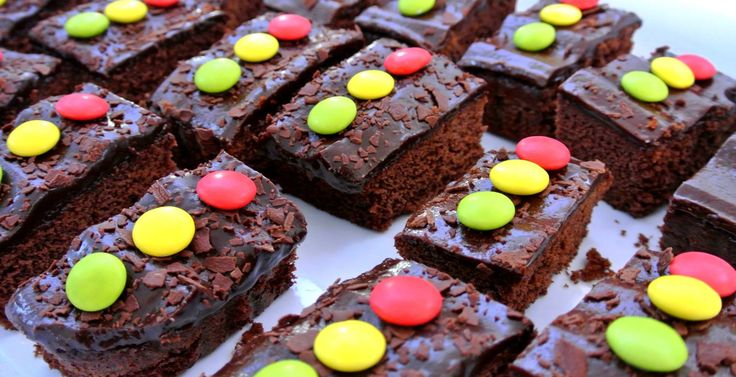 Traffic Light Treats Made with chocolate cake and smarties