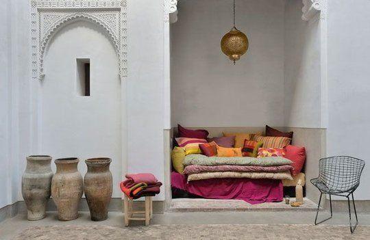 """""""Ambiance orientale dans ce patio marrakchi""""  Photographe : Henri Del Olmo"""