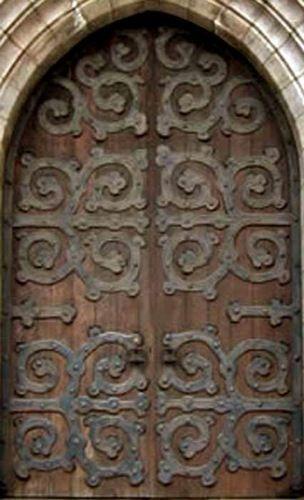 Believe it or not, these castle doors are for sale...: Famous Castles, Cen Belgium, Castles Castles, Doors Window Arches Posts, Beautiful Doors, Http Myfamouscastl 13Faq Com, Entrance Doors, Castles Doors, Doors Entry