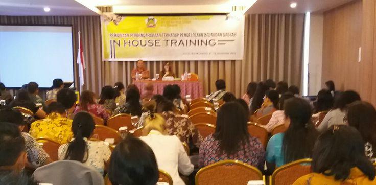 DPPKBMD menggelar pembinaan pembendaharaan di Hotel Ibis Manado