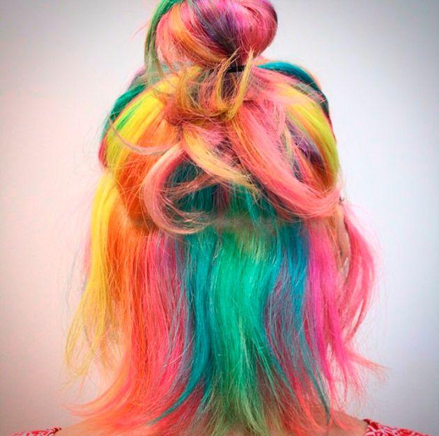 O famoso cabelo de unicórnio, um arco-íris de tons pastel!