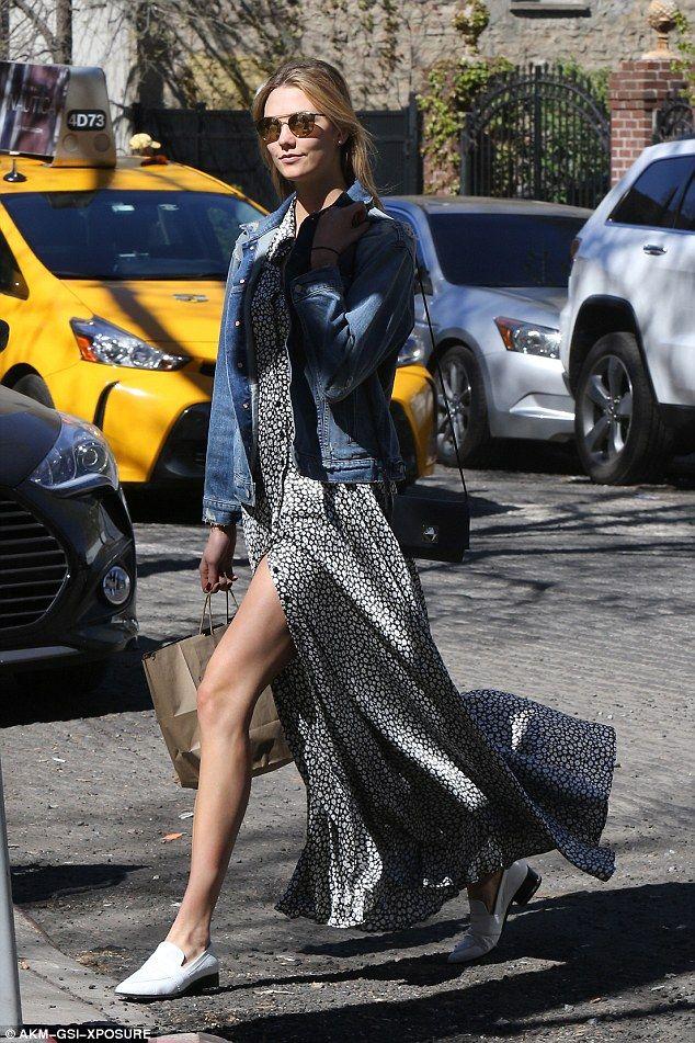 Karlie Kloss keeps rocking the Coachella-vibe as she ...