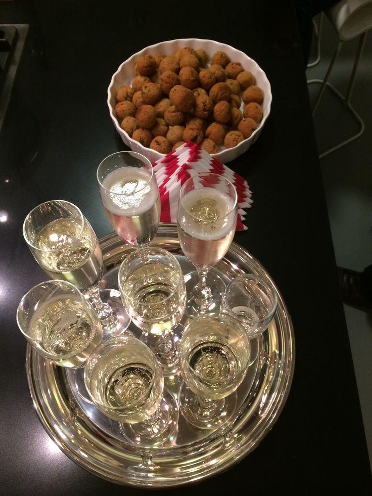 Fried tuna balls & Prosecco