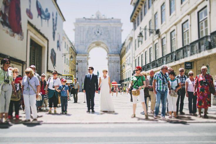lisbon wedding street photography couple on baixa #lisbon #wedding #photographer #love