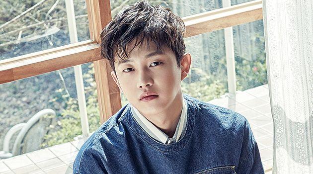 """Kim Min Suk sempat membeberkan mengenai rahasia kisah asmaranya saat tampil dalam program """"Flowers Cast"""" yang tayang di stasiun SBS."""