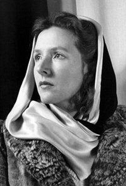 Corinna Bille, (1912-1979), nouvelliste, romancière et poétesse suisse d'expression française. Corinna Bille est surtout connue pour ses talents de nouvelliste — elle laisse plus de 341 histoires. Son recueil le plus fameux, la Fraise noire, obtient en 1969 la première bourse Goncourt de la nouvelle.