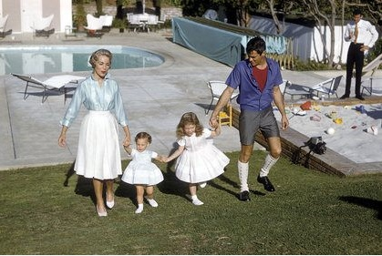 This is the family of Janet Leigh, the known actress for her role in psycho. Jamie Lee Curtis is one of her children with Tony Curtis.Leigh 1927 2004 Tony, 1927 2004 Tony Curtis, Celibrities Siblings, Celebrities W Family'S N, Family'S N Siblings, Janet Leigh, Jamie Lee, Fond Memories, Andrew Mcguire
