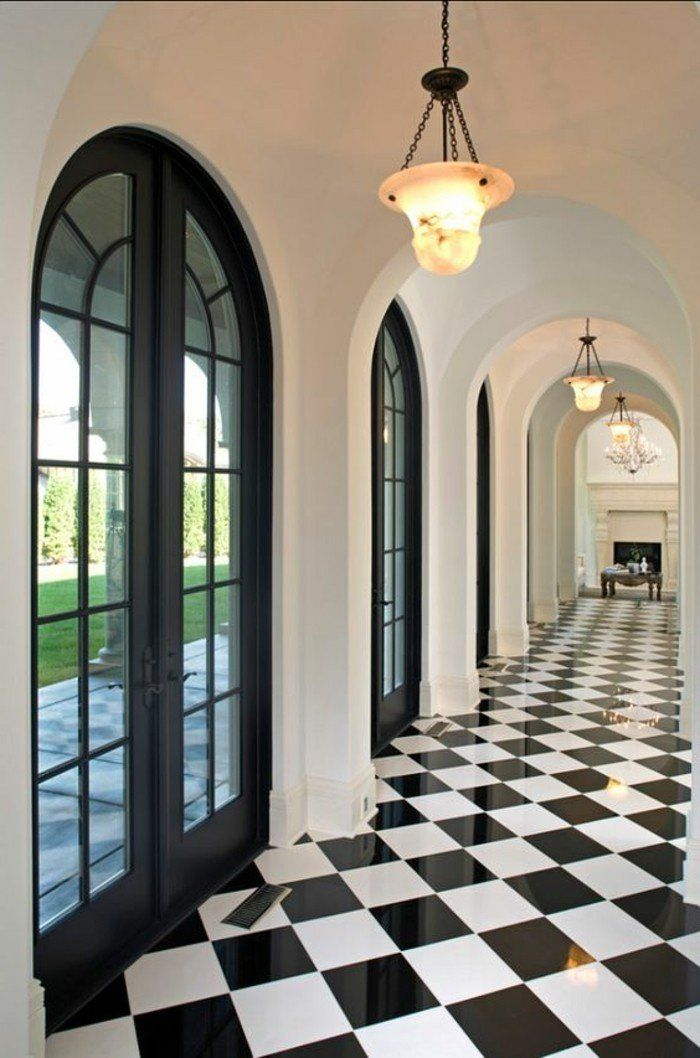 Couloir Noir Et Blanc 5 Idees Pour Creer La Surprise Blog Decoration Carrelage Noir Et Blanc Porte D Entree Moderne Decoration Interieure Noir Et Blanc