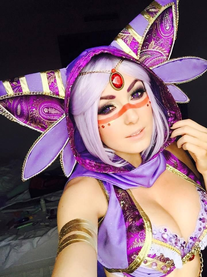 Jessica(Jessica Nigri) Espeon Cosplay Photo - WorldCosplay