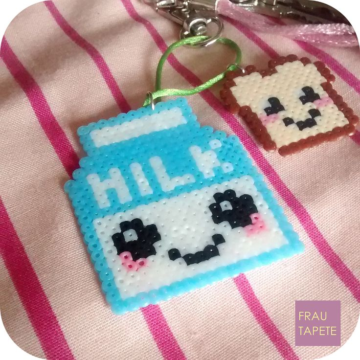 Llavero leche y tostada | Milk and toast keyring [Hama Beads]