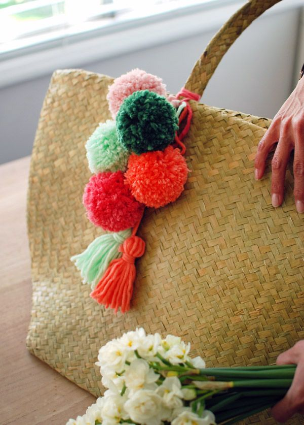 Learn how to make a pom pom tassel in this super-easy tutorial for a designer look in under an hour!