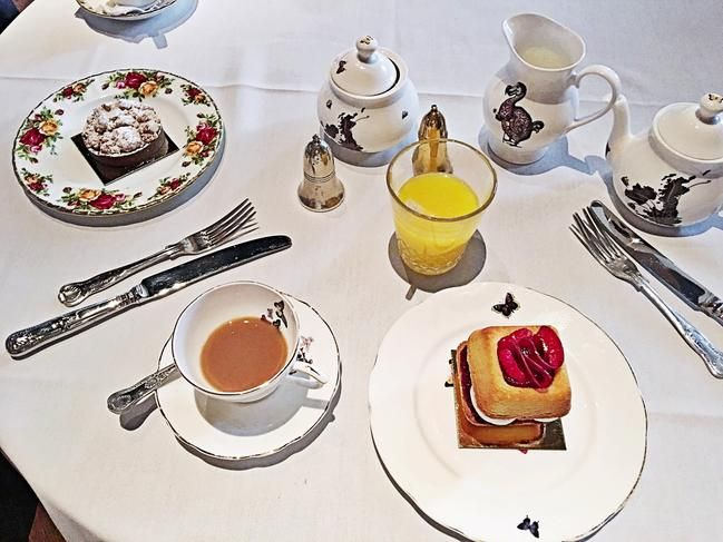 Yummy Brunch @sketch London - see the blog for details #londontown #sketchlondon #londonrestaurant #luxuryliving #londondining #fashionaddict #londonexplorer #photooftheday #fashionblogger#travelblog #travelgram #prettylondon #bloggerstyle #sketchparlour #sketch #sketchbrunch #restaurantdecor #restaurantreview #foodporn #londoncity #lifestyle #fashionista #luxurydining #travelblogger #elegance #londonstyle #londonblogger #fashionblogger #foodblogger #restaurantinterior