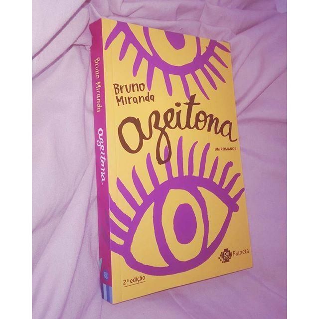 Durante a última Semana, enquanto eu estava viajando, chegou por aqui esse livro que ja estou in love e que queria muitooo. Em Breve Resenha no canal. Ah, ia me esquecendo, ele ta na minha TBR para a #mli2016