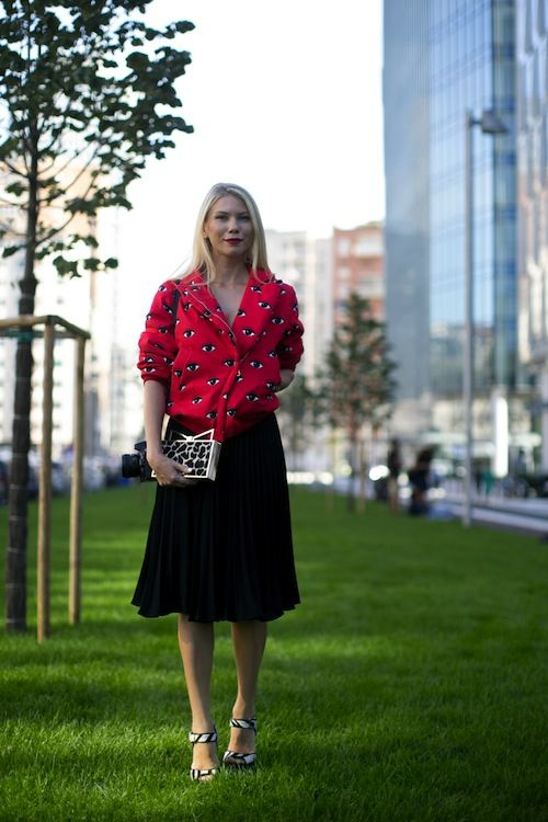 Street Style at Milan Fashion Week (Almost) Out-Glams the Runways