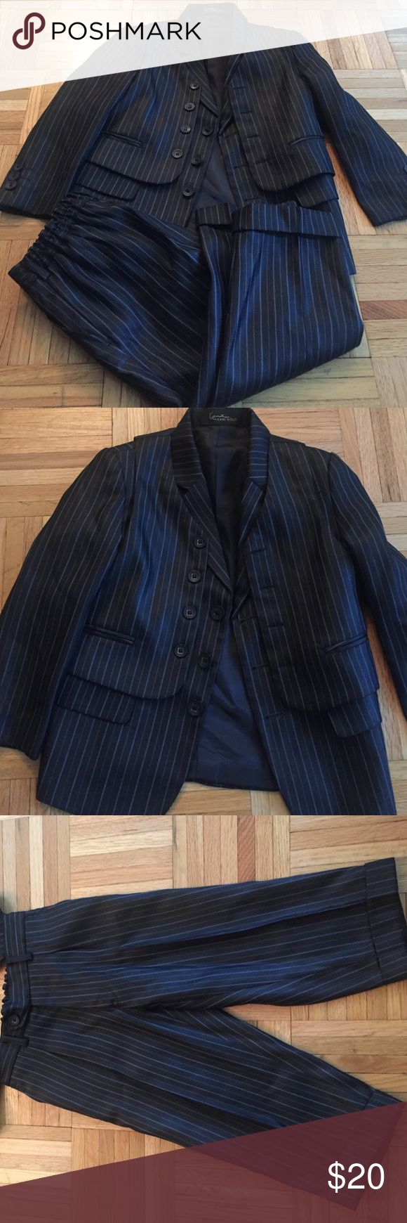 KANI GOLD 3 PCS SUIT Fancy suit. Brand new condition. Lightly worn. kani gold  Matching Sets