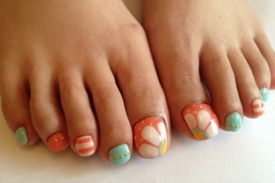 Cool Pedicure Nail Art Ideas for Fall 2012 - A fabulous looking pedicure is essential for the modern woman, so make sure you get your toenails looking super trendy by checking out the following cool pedicure nail art designs for fall 2012.