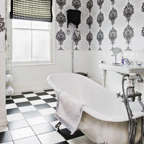 Black and white don't have to mean boring.  Checkerboard patterns and damask walls really make this bathroom pop.Bathroom Design, Small Bathroom, Black And White, Design Kitchen, Bathroom Ideas, White Bathroom, Art Deco, Bathroom Style, Bathroom Wallpapers
