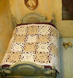 OOAK cottage chic miniature bedspread.  Pugcentric Pursuits.