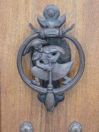 Witch knocker