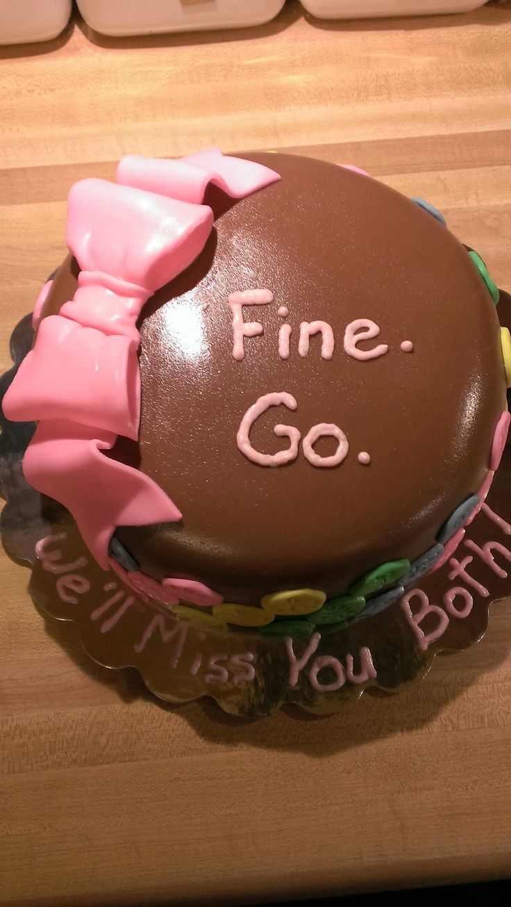 I made this little farewell cake for a couple of lovely co-workers. It was decorated with homemade fondant decorations.
