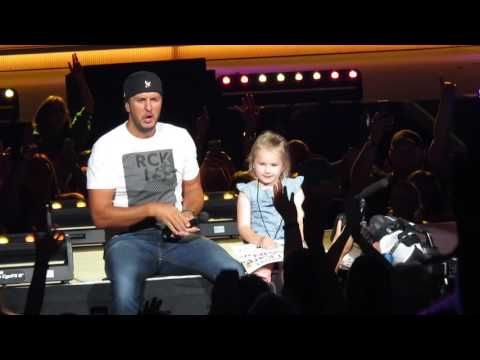Luke Bryan singing with a little girl at his kill the lights tour 2016!