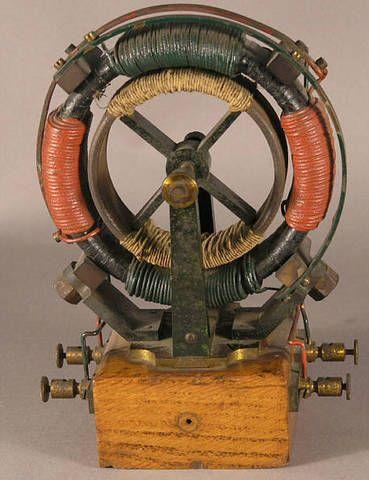 "Tesla 2 phase AC electric motor by Max Kohl.    Very early demonstration model of Tesla two phase electric alternating current motor by Max Kohl circa 1900 in good working order. 5½"" (14 cm) x 3½"" (8.5 cm) height 8"" (20 cm) Examples of Tesla alternating current motors as early as this example are extremely rare."