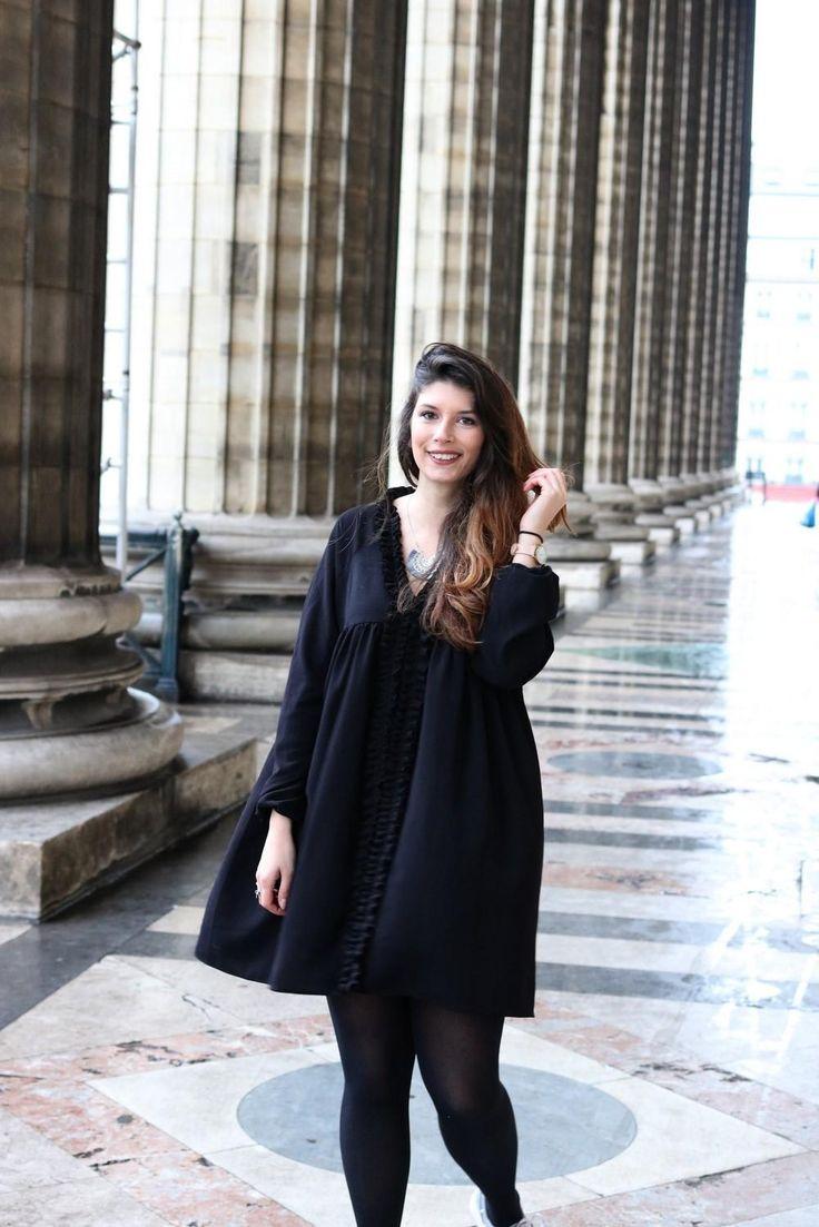 L'indispensable, l'intemporel, la base, l'excellence, la simplicité, le chic,... elle porte tellement de nom ! La petite robe noire est bien évidement la pièce maîtresse d'un dressing féminin