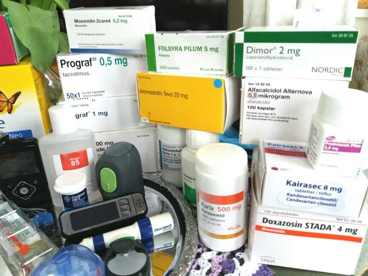 I start my day by taking my medications: 1 tablet Prednisolon 2 tabl Alfacalcidol 2 tabl Furix Furosemid  1 tabl Folacin 1 tabl Atorvastatin 1 tabl Natriumbikarbonat 1 tabl Prograf 0,5 mg 1 tabl Prograf 1 mg 1 tabl Myfenax 500 mg 2 tabl Doxazosin 4 mg 1 tabl Kairasec 8 mg 1 tabl Moxonidin 0,2 mg 2 tabl Metropolol 50 mg 1 tabl Esomeprazol 40 mg 4 tabl Calcishew 500 mg / day   Then I gorged.