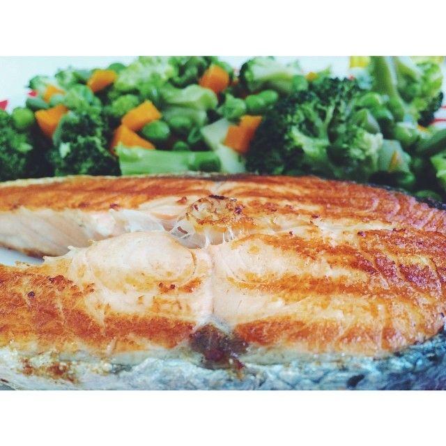 Peixe Salmão e Legumes.