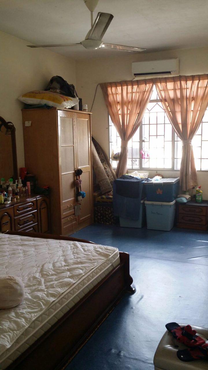 Mentari Court, Bandar Sunway - Mentari Court Apartment, Bandar Sunway, Petaling Jaya ======================================= RM225,000 Blok F, level 16 Leasehold bumi Built up: 764 sq ft 3 bedrooms, 2 bedrooms Asking price : RM225,000 Call/SMS/Whatsapp Muslih 0197527157 3.18% Booking, 6.82% Upon signing SPA Furniture: Unfurnished    http://my.ipushproperty.com/property/mentari-court-bandar-sunway-22/