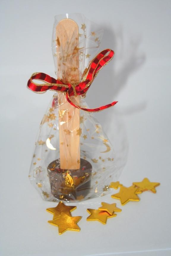 Selbst gemachte Lebkuchen-Trinkschokolade am Stiel - das Rezept gibt auf dem Blog twoodledrum (Bild-Link)