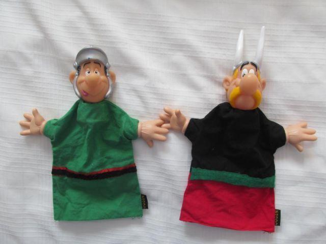 Asterix poppenkastpop 📌 Galliërs hand finger puppets Astérix rubbere handjes Frans French