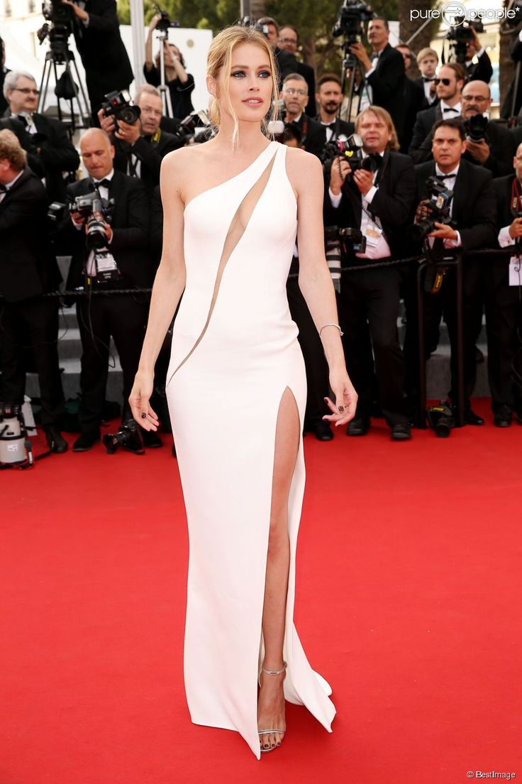 Doutzen Kroes in Atelier Versace at the Cannes 2015 -- purepeople.com