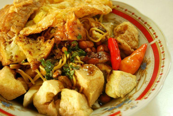 Kuliner part 4! Kupat tahu solo! Yummy~~~  #kupat #tahu #solo #kupattahu #kupattahusolo #makanan #food #makan #siang #makansiang #enak #favorit