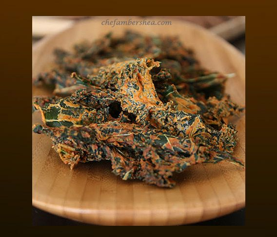 Pizza Kale Chips! | That Healthy Life