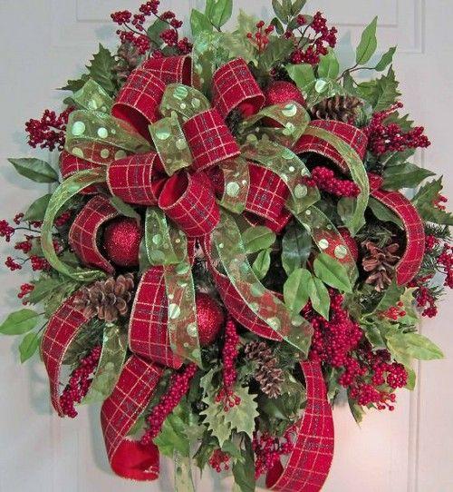 Home Decor: 25 Christmas Wreath Ideas Messagenote.com Double Bow for Beautiful Christmas Door Wreaths