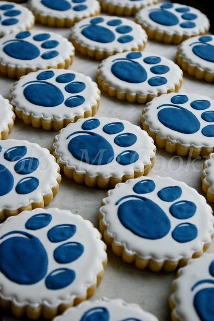 Wildcat paw print cookies