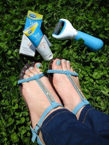 Super incantata de cum arata picioarele mele dupa doar 3 saptamani de utilizare a Pilei Electronice Scholl Velvet Smooth si a Cremei hidratante de zi Scholl..