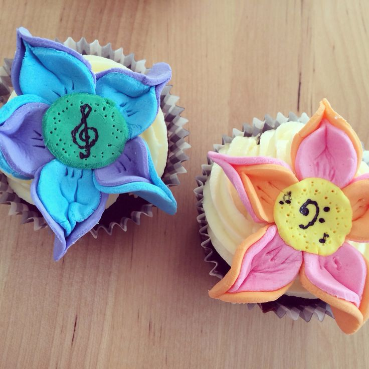 Music flower cupcakes