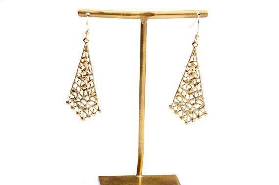 Pendientes, pendientes, pendientes hechos a mano, ligeros pendientes de oro, aretes de oro, pendientes elegantes, pendientes de triángulo de filigrana