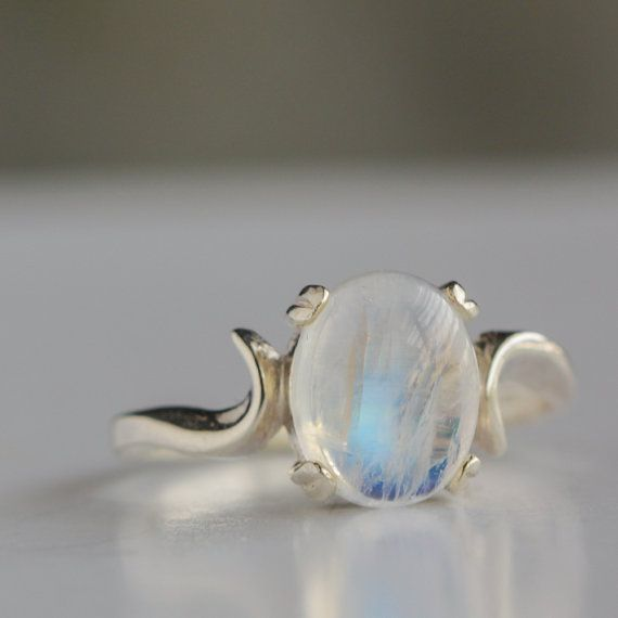 Sterling Silver Moonstone Ring by TobesOutpost on Etsy