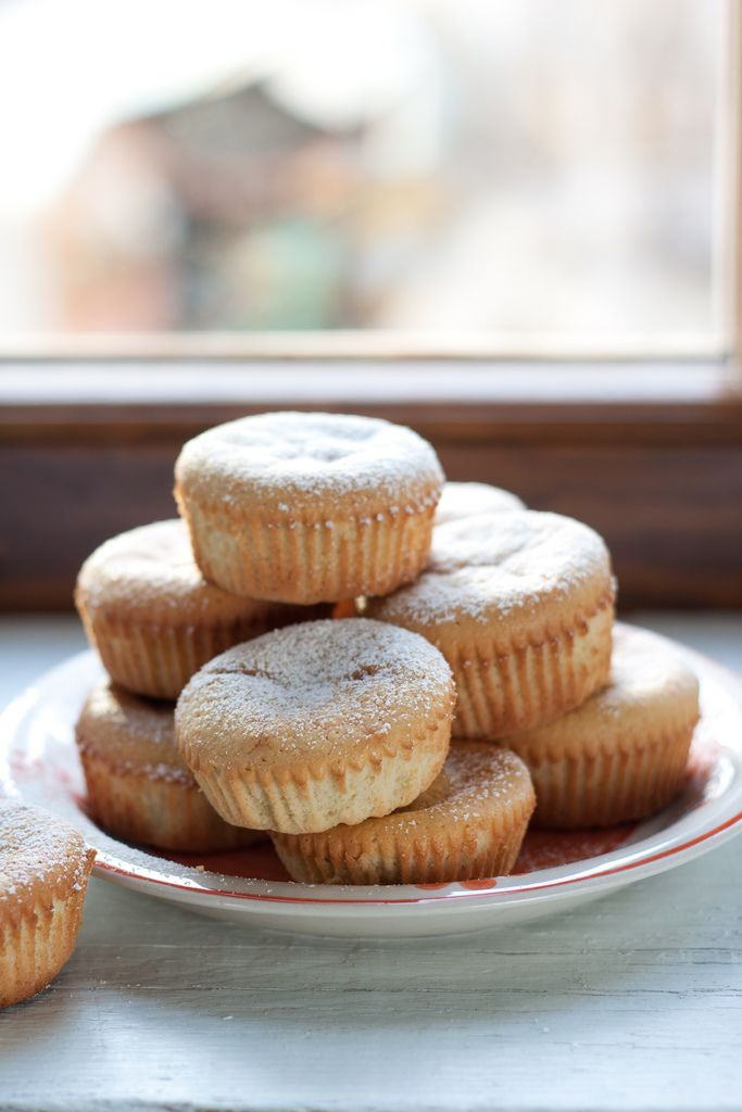 Almond and orange tiny cakes  (+ a dot of sweetened cointreau whipped cream  on top)