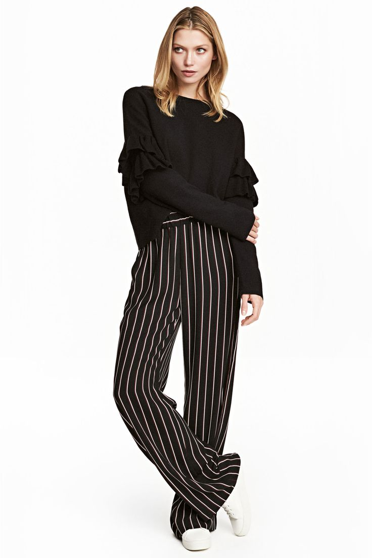 les 25 meilleures id es de la cat gorie pantalon large sur pinterest pantalon jambes larges. Black Bedroom Furniture Sets. Home Design Ideas