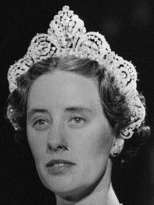 Tiara Mania: Duchess of Westminster's Halo Diamond Tiara worn by Anne Grosvenor