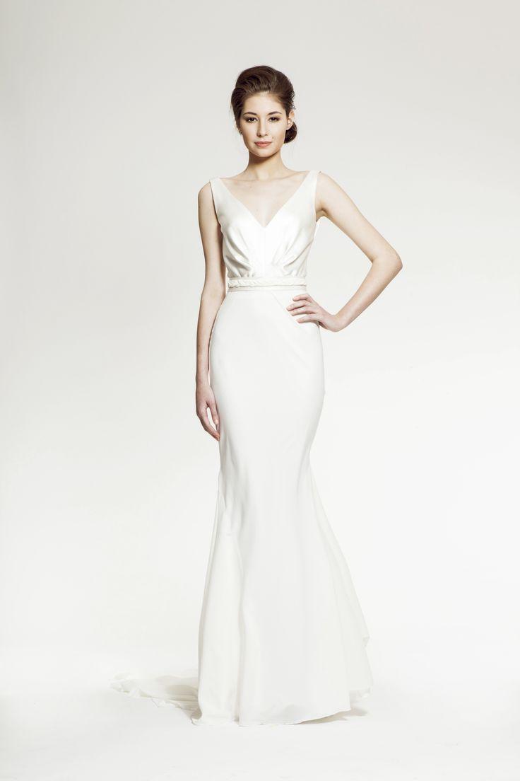 ZUZANA VESELÁ ATELIER. The Evelyn Mermaid Wedding Dress in silk chiffon is sure to make you feel like a princess on your special day. #zuzanavesela #czechdesigner #pfsshowroom #wedding #bride @Zuzana Veselá