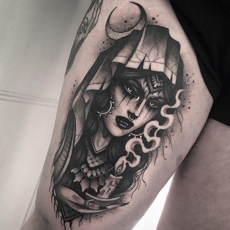 A imagem pode conter: 1 pessoa | Tatuagens ciganas, Tatuagem no rosto, Tatuagem no pescoço