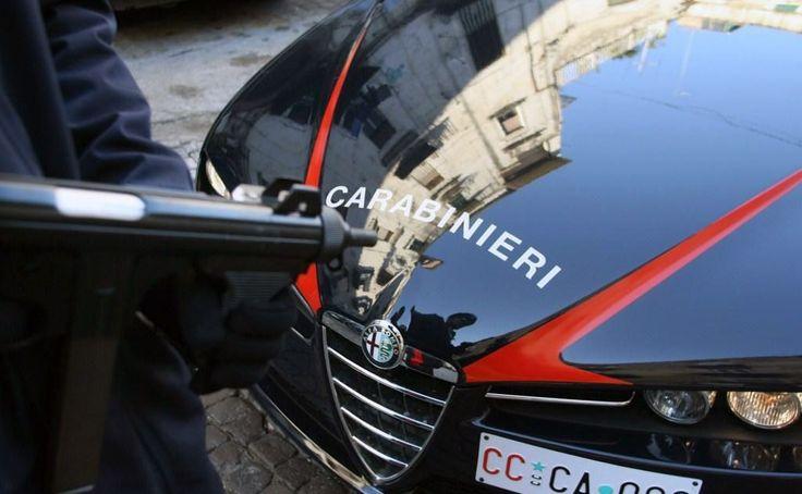 Giugliano: Carabinieri investiti da auto sospetta appena intercettata. Indagini in corso sui responsabili