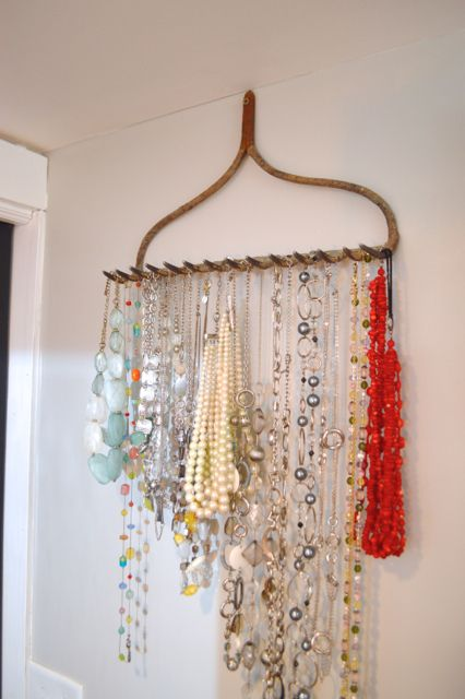 WE ♥ THIS!  ----------------------------- Original Pin Caption: Rake jewelry holder4